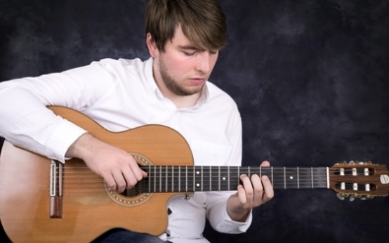 Oliver Day - Solo Instrumental Guitarist for your event!