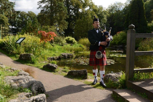 Malcolm Smith- Scottish Bagpiper