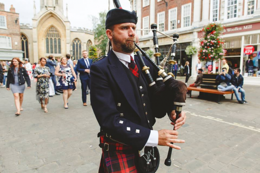 Ed Arnold - Scottish Bagpiper