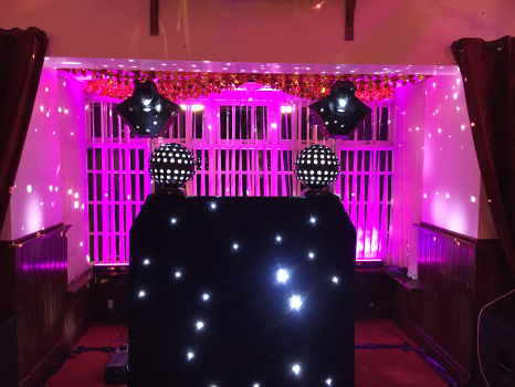 Gloucestershire Wedding Dj