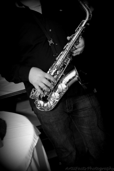 Solo Sax Player to accompanying your DJ