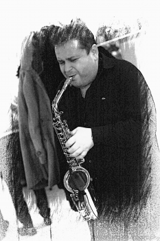 Solo Sax Player with Backing Tracks