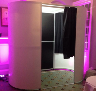 CR Entertainments Ltd Photobooth Hire