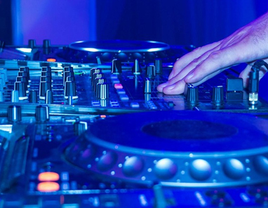 choosing a dj for your party